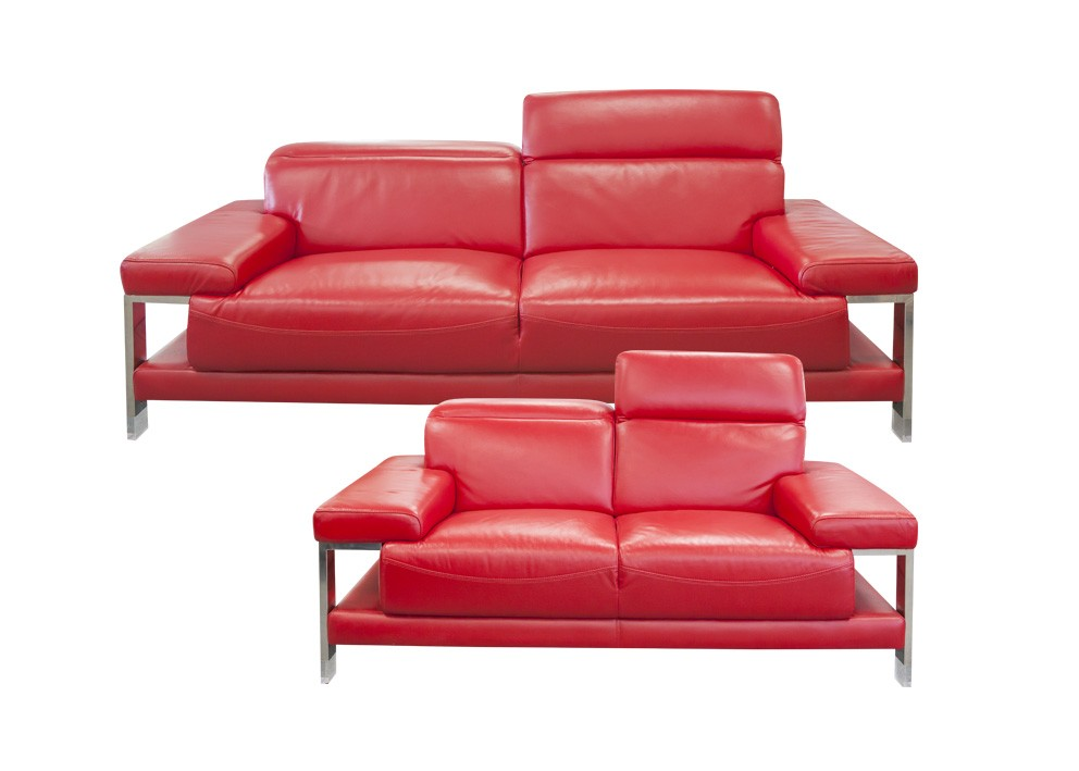 Madonna-32-Seater-Red